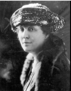 In addition to writing, Ayers Fairbank was a well-known suffragette. Unlike her sister, she was only a runner-up, not winner, of the Pulitzer Prizes. Slacker.